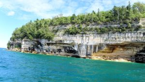 pictured rocks national park boat ride