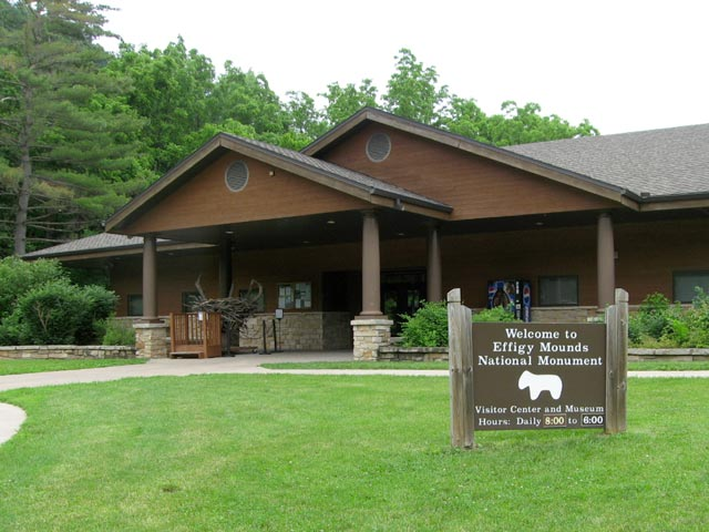 Visitor Center Effigy Mounds National Park