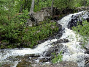 chester creek waterfall duluth, mn