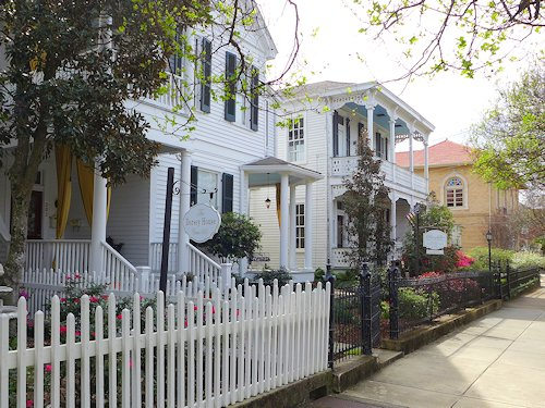 historic homes natchez ms