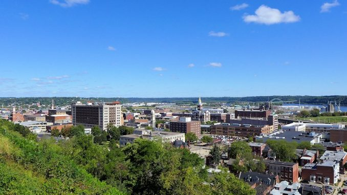 dubuque iowa skyline
