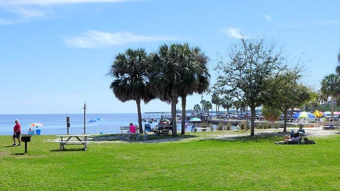 cedar key public beach