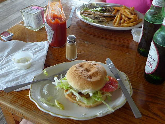 grouper sandwich annies cafe cedar key