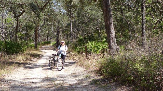 manatee springs state park bike trails