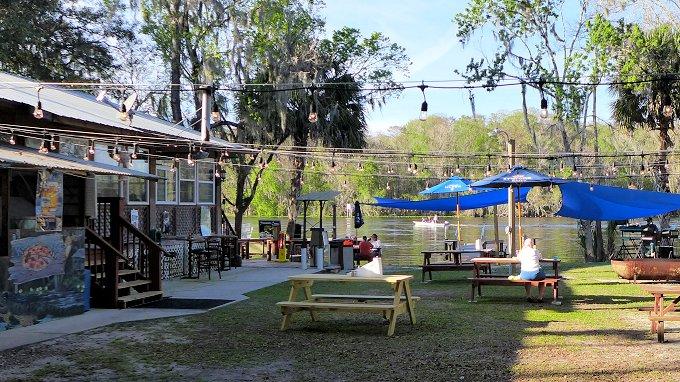 Treasure Camp Restaurant Outdoor dining